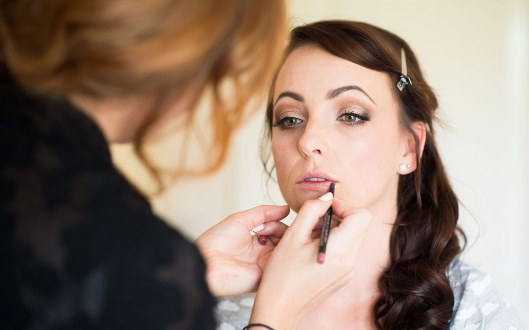 What you should expect when hiring a makeup artist for your wedding day